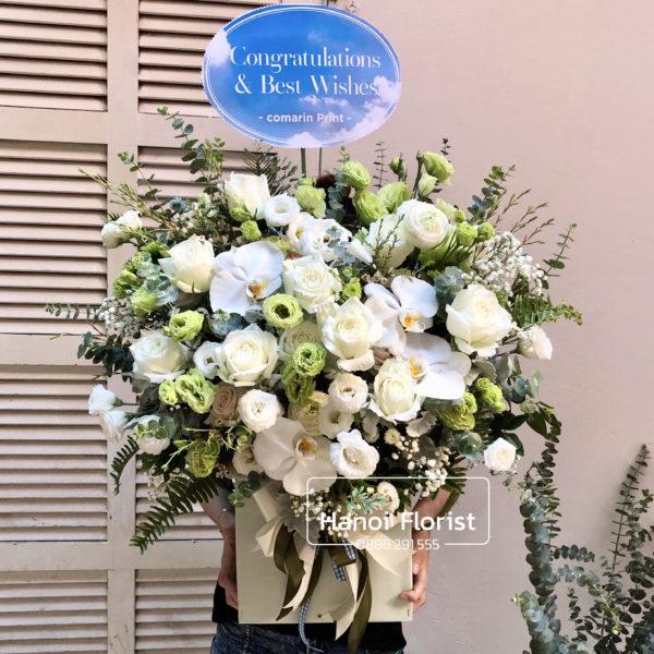 giỏ-hoa-màu-trắng-xanh-đẹp-scaled-e1592814565514.jpg